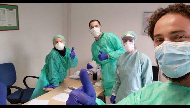 NISËN SOT! Mjekët dhe infermierët shqiptarë në krye të detyrës krah kolëgëve italianë kundër COVID-19