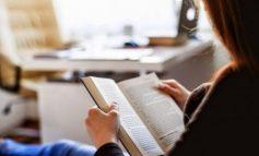 KOHA E KARANTINËS/ Studiuesit shqiptarë të Letërsisë: Është momenti për t'iu rikthyer leximit