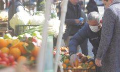 """PASOJAT E KORONAVIRUSIT/ Çmimet e fruta-perimeve """"fluturojnë"""" pas Covid"""