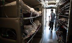 KORONAVIRUSI NË SHBA/ Kufomat e COVID-19 stivosen në kamionët frigoriferikë (FOTO)