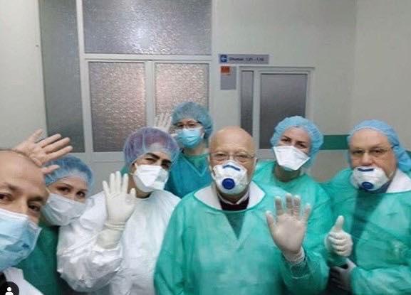 """MJEKU KRAJA DO RIKTHEHET SËRISH...""/ Manastirliu: Xhaxho edhe pse i infektuar ndihmon ekipin tek Infektivi"