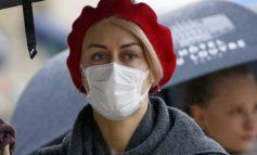 STUDIMI/ Maskat kirurgjikale dhe ato të pambukut nuk na mbrojnë nga koronavirusi