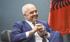 30 MJEKËT E INFERMIERËT TË DËRGUAR NË VENDIN FQINJ/ Edi Rama, kryeministri shqiptar që dashuron Italinë falë basketbollit