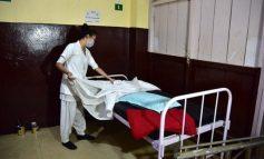 KORONAVIRUSI/ Mjeku shqiptar i infektuar me COVID-19: Ata mbi 70 vjeç i lëmë të vdesin