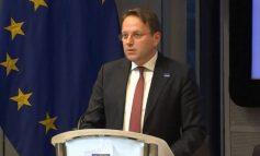 REFORMA ZGJEDHORE/ Komisioneri për Zgjerimin bisedë me Bashën: Reforma duhet të përmbyllet pa vonesë