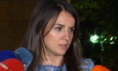 ZGJEDHORJA/ Rudina Hajdari del me nerva nga tryeza e Këshillit Politik: Kërkova të rrinim këtu sonte, s'morën përgjigjet që donin dhe ikën. Pse s'pranojë...