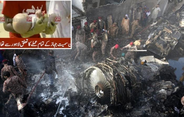 MREKULLI/ Nxirret e gjallë FOSHNJA nga rrënojat e avionit në Pakistan, përplasje mes autoriteteve dhe familjarëve për fatin e pasagjerëve