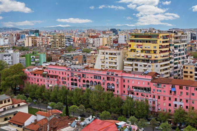 EKONOMIA PËRBALLË COVID-19/ Dhoma e Tregtisë Maqedonase: Shqipëria ka humbur 10 herë më shumë vende pune se shtetet e tjera në rajon