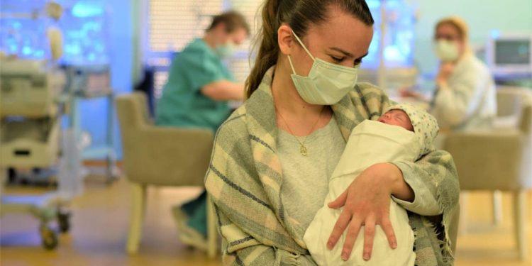 """""""VETËM NË 4 MUAJT E PARË TË VITIT""""/ Mbi 10 mijë të porsalindur kanë përfituar bonusin e bebes"""