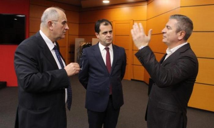 ZGJEDHORJA/ Opozita kërkoi takim, reagon maxhoranca: Të hënën është pushim! Shihemi tek…