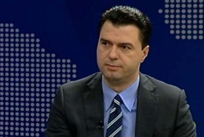 """SHEMBJA E TEATRIT/ Gazetarja i thotë Bashës se """"në Shqipëri janë rrahur e vrarë dhe më parë"""", ja si përgjigjet kryedemokrati"""