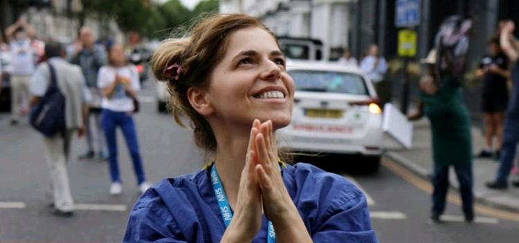 HISTORI SUKSESI/ Kjo është Nevila Selmani, infermierja shqiptare që po mahnit shëndetësinë britanike