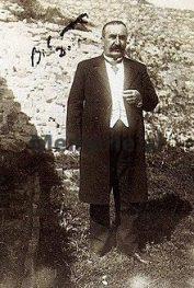 DOSSIER/ Historia rrëqethëse e mirditorit: Gjyshin e dënuan me 101 vite, të birin me vdekje; ai kërkoi të pushkatohej e djalit…