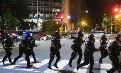 KAOSI NË SHBA/ VOA: Këto trazira nuk janë parë në dekada, tensionet arrijnë një pikë të nxehtë!