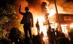 VDEKJA E FLOYD/ Dy të vdekur gjatë protestave në Louisville. Reagon djali i viktimës: Me dhunë nuk zgjidhim asgjë