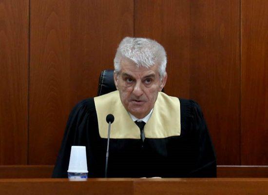 U PEZULLUA NGA SPAK PËR FALSIFIKIM DOKUMENTASH/ Gjykata e Apelit rikthen në detyrë Luan Dacin