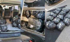 """OPERACIONI """"DOMOSDOVA""""/ Sekuestrohen 28.5 kg drogë në Elbasan, arrestohen 3 korçarë, në kërkim..."""