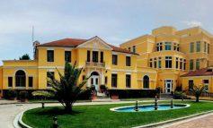 MBYLLET TAKIMI PËR REFORMËN XGJEDHORE/ Rudina Hajdari e Damian Gjiknuri largohen nga rezidenca e Ambasadës së SHBA-së