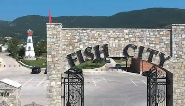 """SULMET NDAJ """"FISH CITY""""/ Biznes Albania apel opozitës: Distancohuni, investimet e kompanisë kanë sjellë zhvillim në Elbasan"""