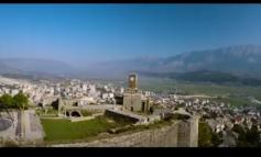 """""""SHQIPËRIA NJË TOKË E THESAREVE TË FSHEHURA""""/ Faqja e njohur: Nga malet deri tek plazhet e mrekullueshme (VIDEO)"""
