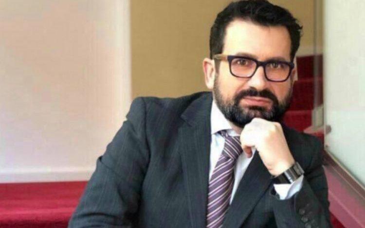 """""""E KE KOPILIN NË DERË""""/ Kreshnik Spahiu: Basha, """"sanduich"""" mes ambasadës amerikane dhe Ilir Metës"""