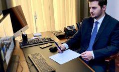 """""""SHËRBIME TË DOBËTA""""/ Gent Cakaj shkrin të gjithë ambasadën shqiptare në Athinë. Propozimet e reja"""