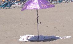 FOTOLAJM/ Trendi i ri i çadrave të plazhit vjen nga...Divjaka!