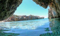 DESTINACIONI I DITËS/ Plazhi i Akuariumit në Jalë, një nga perlat e fshehura që nuk duhet ta lini pa vizituar