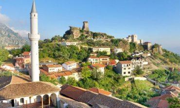 """""""IA VLEN TË VIZITOHEN...""""/ Faqja e njohur turistike: 10 qytete përrallash që mund të vizitoni në Shqipëri"""