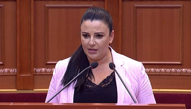 HAPET TENDERI I RRUGËS MILOT-FIER/ Balluku: Opozita po hedh baltë, projekti do të bëhet