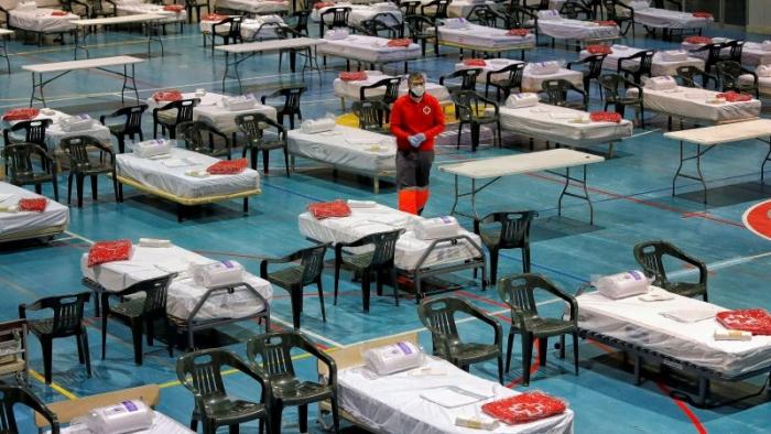 RIKTHEHET COVID-19 NË SPANJË/ Katalonja urdhëron mbylljen, 210 mijë persona në karantinë
