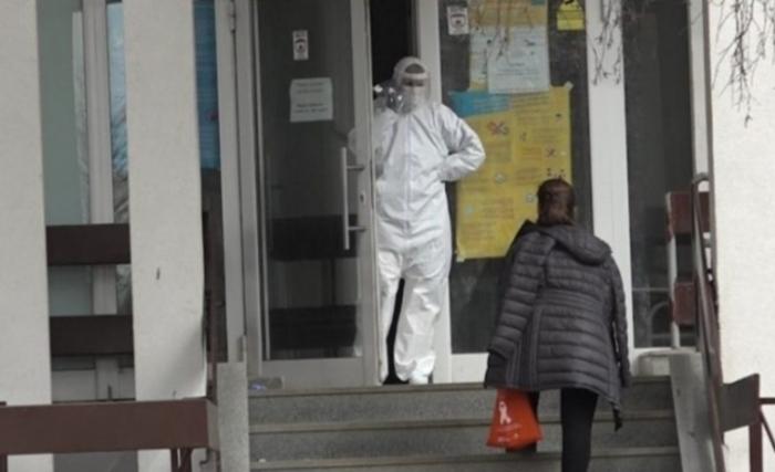 KORONAVIRUSI/ Situatë e rënduar në Kosovë, 6 viktima dhe 132 raste të reja me Covid-19