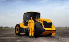 ARRIN DERI NË 217 KILOMETËR NË ORË/ Inxhinierët anglezë ndërtojnë traktorin më të shpejtë në botë (VIDEO)