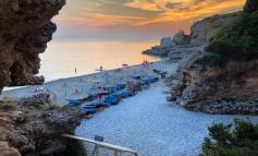 DESTINACIONI I DITËS/ Drimadha, një nga plazhet më të bukura të Rivierës, ku mbizotëron rinia (PAMJET)
