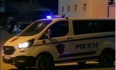 """ISHTE NISUR PËR KONTROLL RUTINË/ Kush e qëlloi me tullë fugonin e """"Shqiponjave"""" në Elbasan? Shoferi mbeti i plagosur (DETAJET)"""
