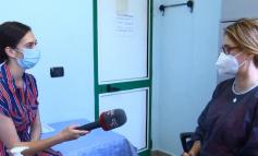 SHPJEGON DALLIMIN MES VIROZAVE TË STINËS DHE COVID-19/ Mjekja: Koronavirusit nuk i vihet diagnoza me vizitë, mos hajdeni në spital