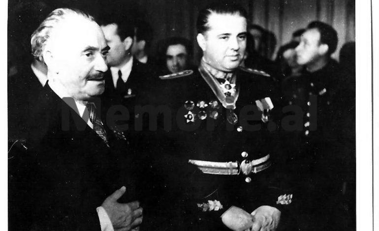 """DOSSIER/ """"Demagog, sharlatan dhe intrigant politik, pretendon se Mehmet Shehu, ishte një agjent i Jugosllavisë…"""", ja çfarë shkruante libri i '84-ës në Algjer…"""