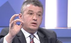 """ALFRED PEZA/ Tri hapat europiane për """"lidershipin"""" e dialogut Kosovë- Serbi!"""