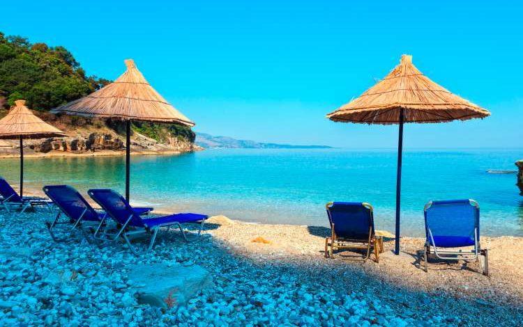 DESTINACIONI I DITËS/ Plazhi i Pulbardhës, një nga gjiret fantastike fare pranë Sarandës