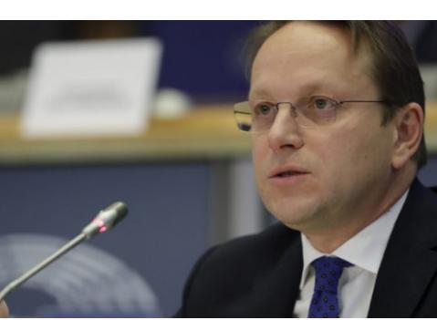 """HAPJA E NEGOCIATAVE/ Komisioneri për zgjerimin e BE: Prioritet për Shqipërinë sundimi i ligjit. """"Zgjedhorja"""", arritje"""
