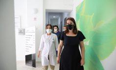 MASAT KUNDËR COVID-19/ Maska bëhen të detyrueshme në ambientet e mbyllura