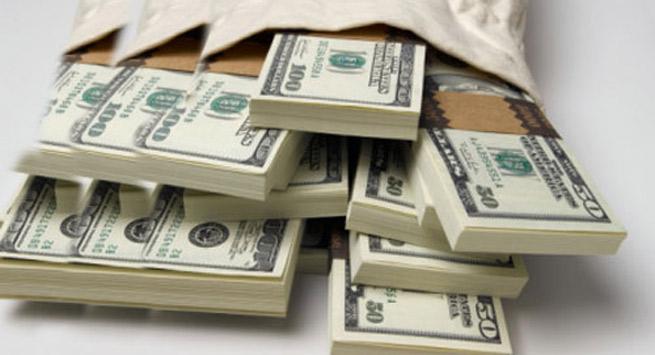 E RËNDË NË TIRANË/ Nusja 22-vjeçare i vjedh vjehrrës 6400 dollarë duke e mashtruar me punët e shtëpisë