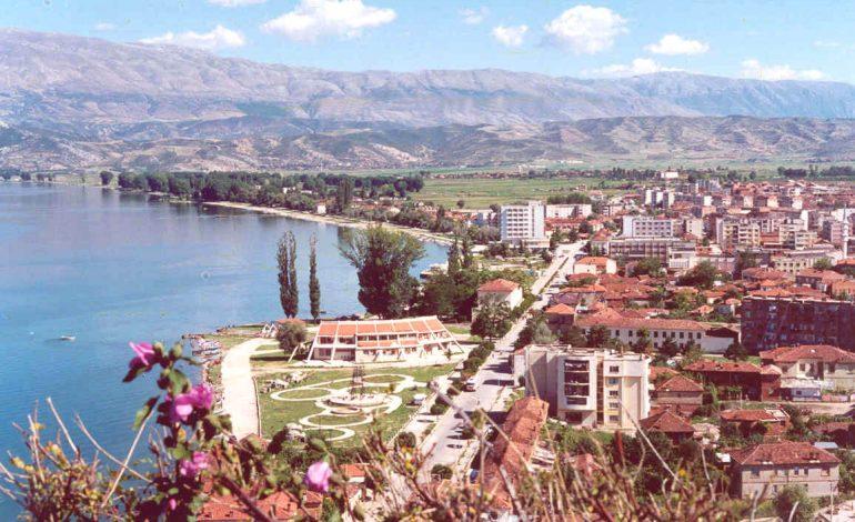 """DESTINACIONI I DITËS/ Pogradeci, mes bukurisë dhe hijeshisë që i jep liqeni i """"Dritës"""" (PAMJET)"""