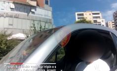 """""""NJË MIJË LEKË POLICIT PËR TË MOS I VËNË GJOBË""""/ Shoferi në Tiranë e pëson keq, arrestohet (VIDEO)"""