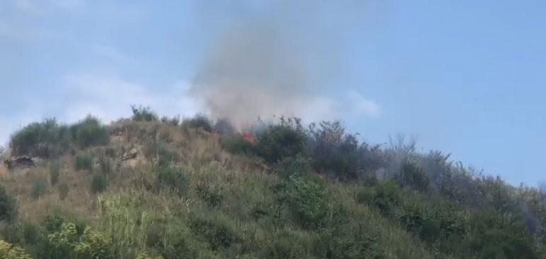 PREJ KATËR DITËSH/ Zjarri përparon nga Lezhë në Mirditë, situata kritike