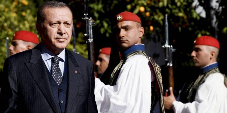 TURQIA NË PRAG LUFTE ME GREQINË/ Erdogan kërcënon Athinën: Gati të ndërhyjmë nëse provokohemi