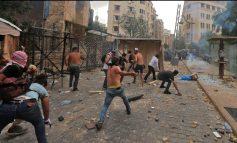 SULMOHEN ZYRAT E DY MINISTRIVE! Vijojnë protestat në Bejrut. Vritet një polic dhe plagosen mbi 100 persona (FOTO+VIDEO)