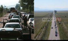 MASAT KUNDËR COVID-19/ Greqia mbyll kufirin në orën 22:00, vijojnë radhët e gjata në pikën kufitare të Kakavijës