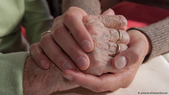 STUDIMI ALARMANT/ Covid-19 përshpejton procesin e plakjes, ja çfarë i ndodh pas 2 vitesh një 30-vjeçari të infektuar