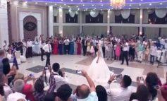 NUK ZBATOJNË MASAT/ Morën pjesë në dasmë, infektohen me koronavirus 11 PERSONA në Krujë